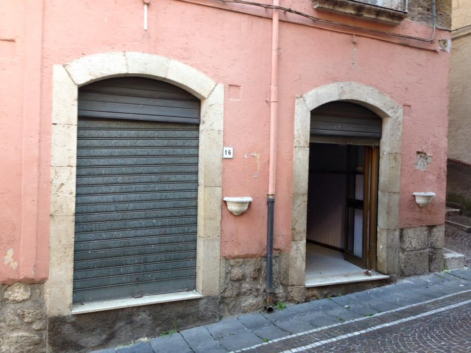 Locale comm.le Roccasecca via Porta