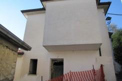 Casa con giardino Colfelice via Principe Umberto