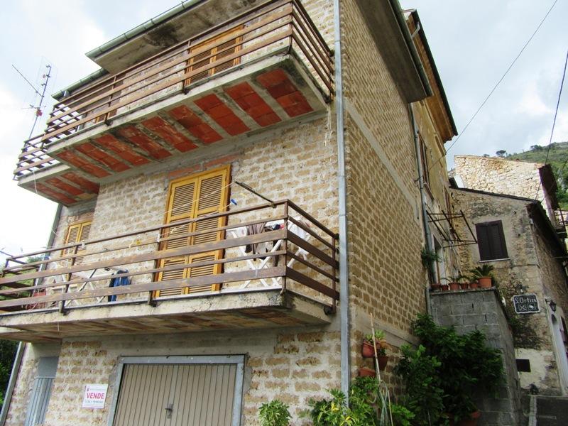 Casa con giardino Roccasecca vicolo Giovinazzi