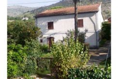 Casa con giardino Colfelice via Casilina