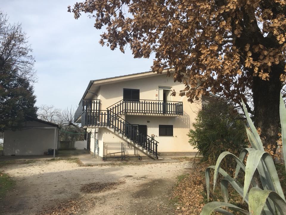 Casa con giardino Roccasecca via Adige