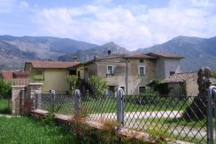 Casale con giardino Roccasecca via Montello