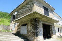 Casa con terreno Santopadre via Cerreto