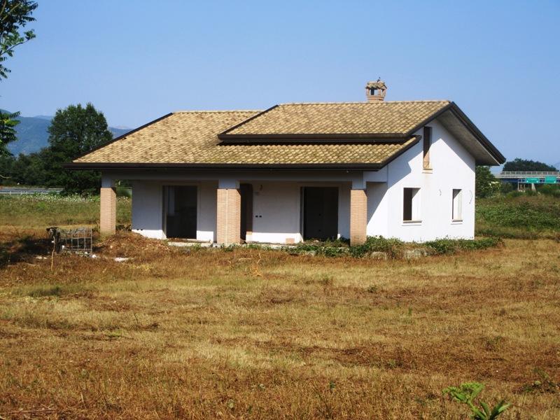 Villa con giardino Castrocielo via Case Diana