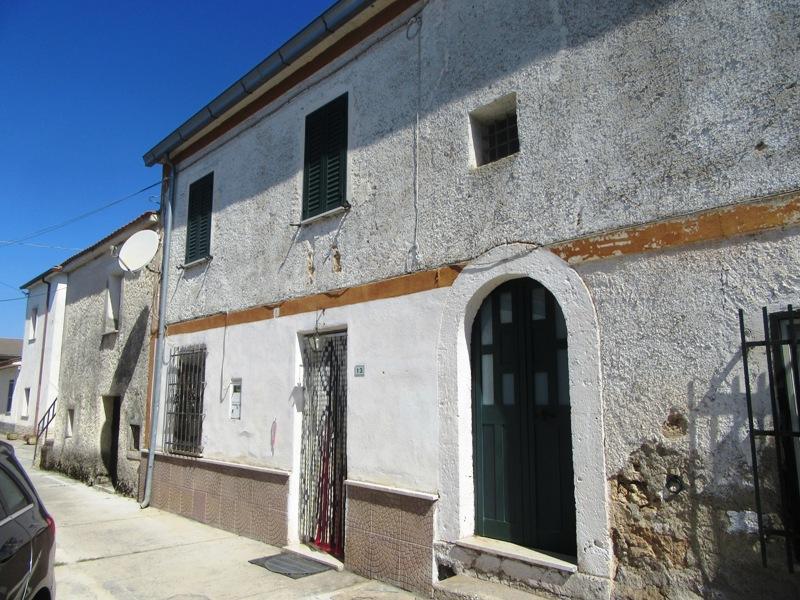 Casa con terreno Roccasecca via Avelardo