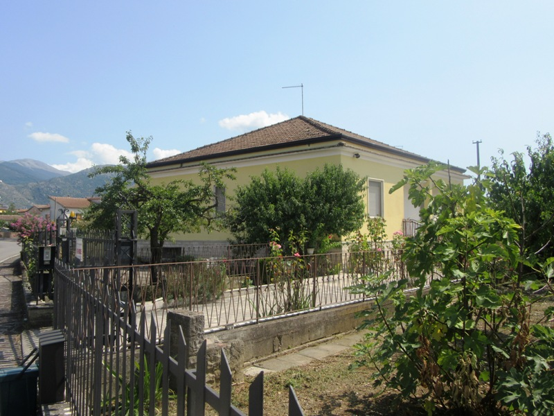 Villino con giardino Roccasecca via Rivolta