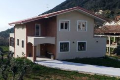 Villa con giardino Colle San Magno via Marrone