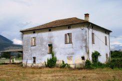 Casale con terreno Castrocielo via Latina II