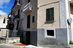 Locale comm.le Roccasecca via Rampa
