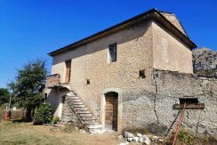 Casale con terreno Roccasecca via Vesceto