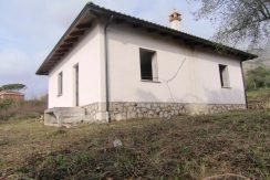 Villino con giardino Roccasecca via E. Fermi