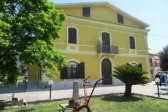 Villa d'epoca con giardino Roccasecca via Casilina