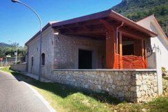 Locale artigianale Roccasecca via Montello