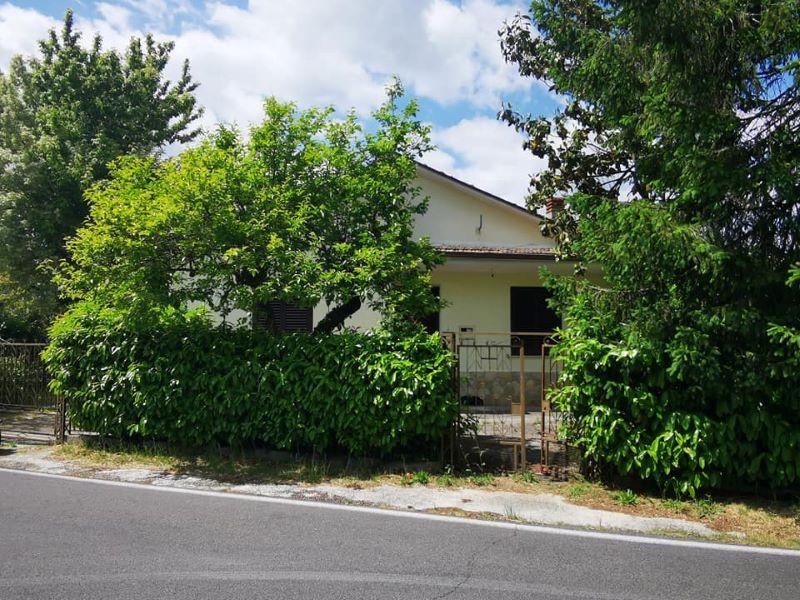 Casa indipendente con terreno Arce via Campanile